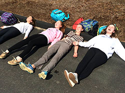 MS students enjoying a warm day